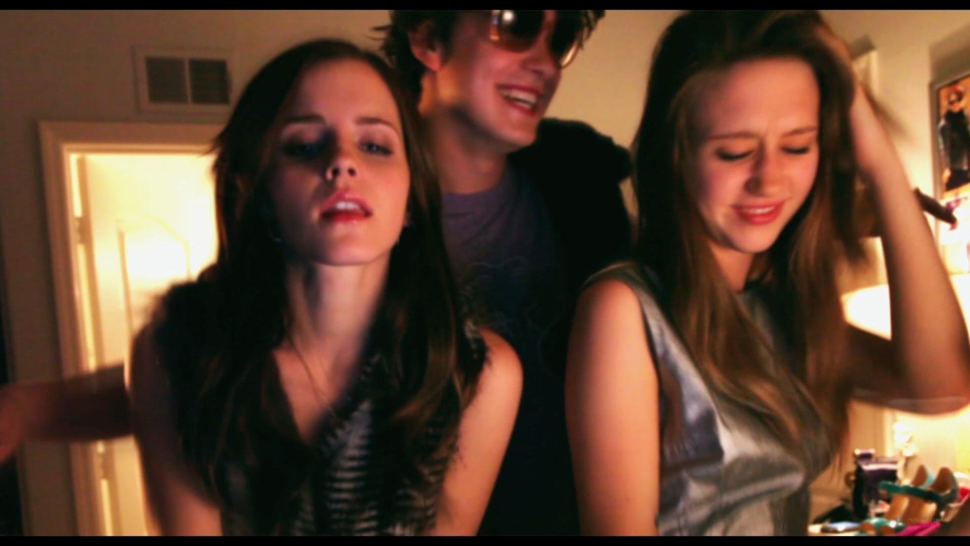 Emma Watson hot Taissa Farmiga and others sexy - The Bling Ring (2013) HD 1080p BluRay (9)