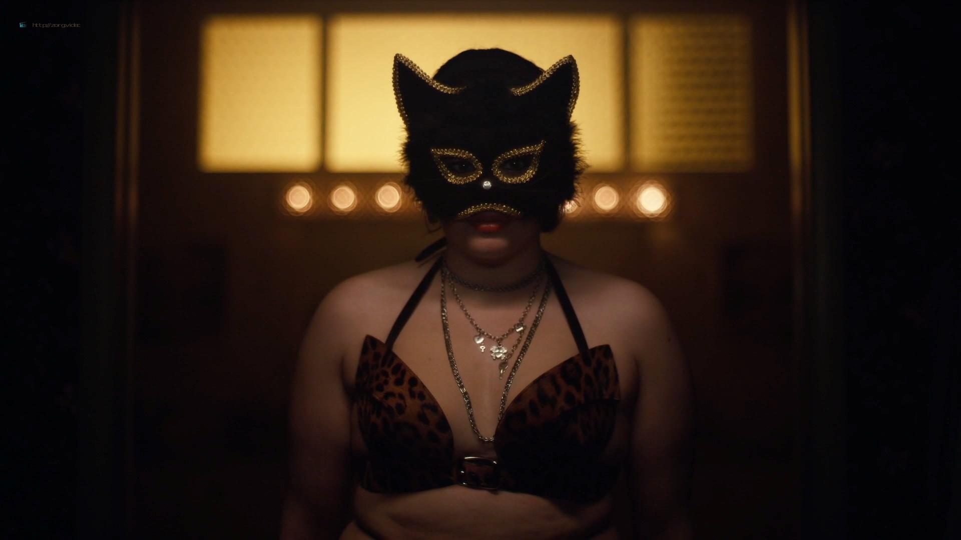 Hunter Schafer nude topless, Sydney Sweeney, Zendaya hot - Euphoria (2019) s1e7 HD 1080p (5)