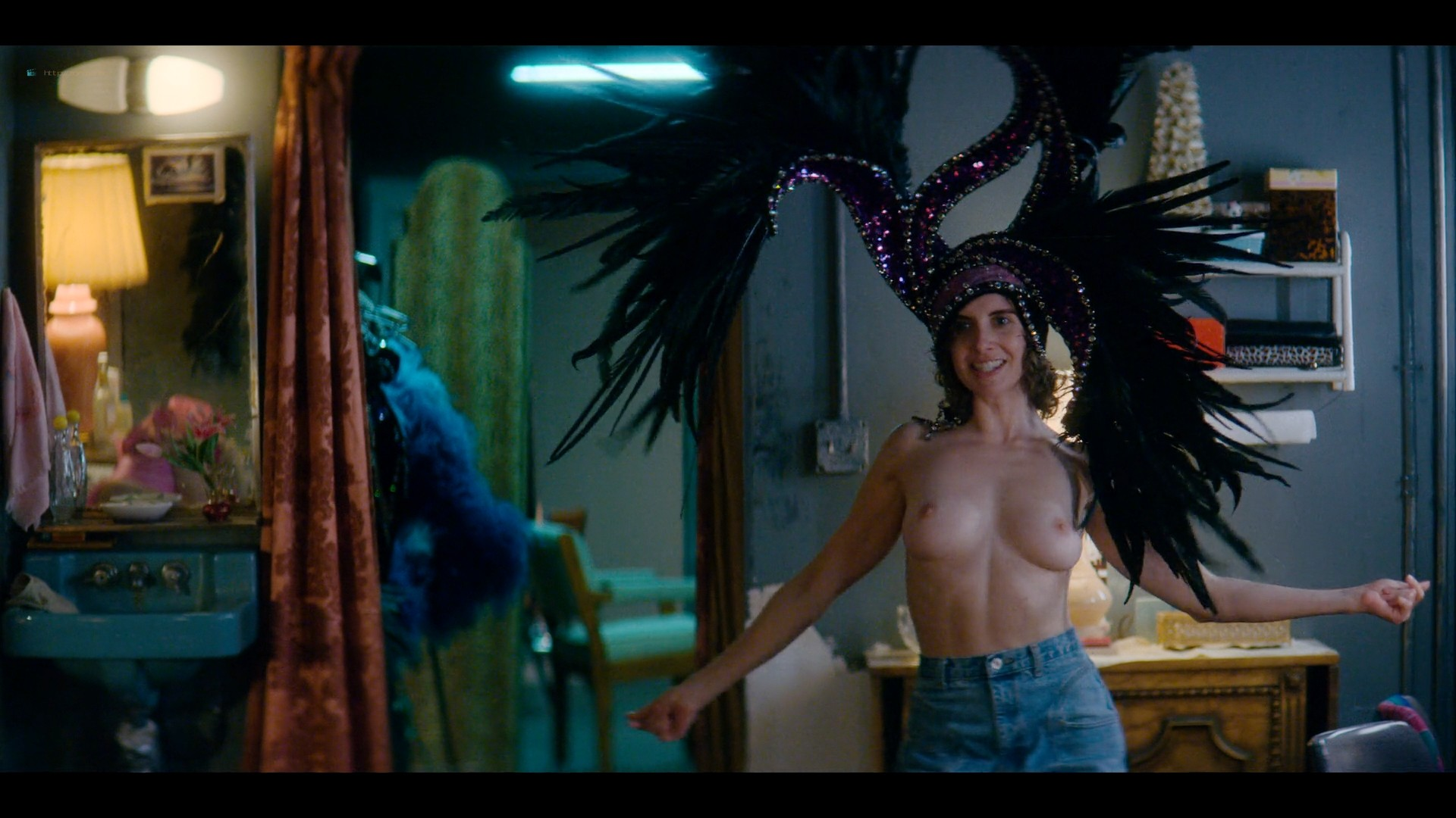Alison Brie nude topless and sexy - Glow (2019) S3 HD 1080p Web (13)