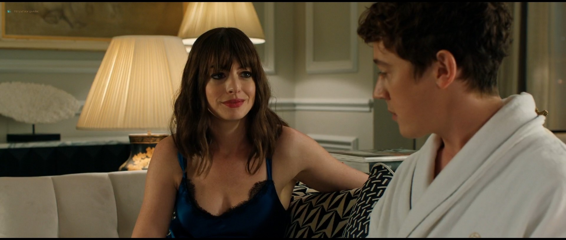 Anne Hathaway hot and sexy - The Hustle (2019) HD 1080p Web (4)