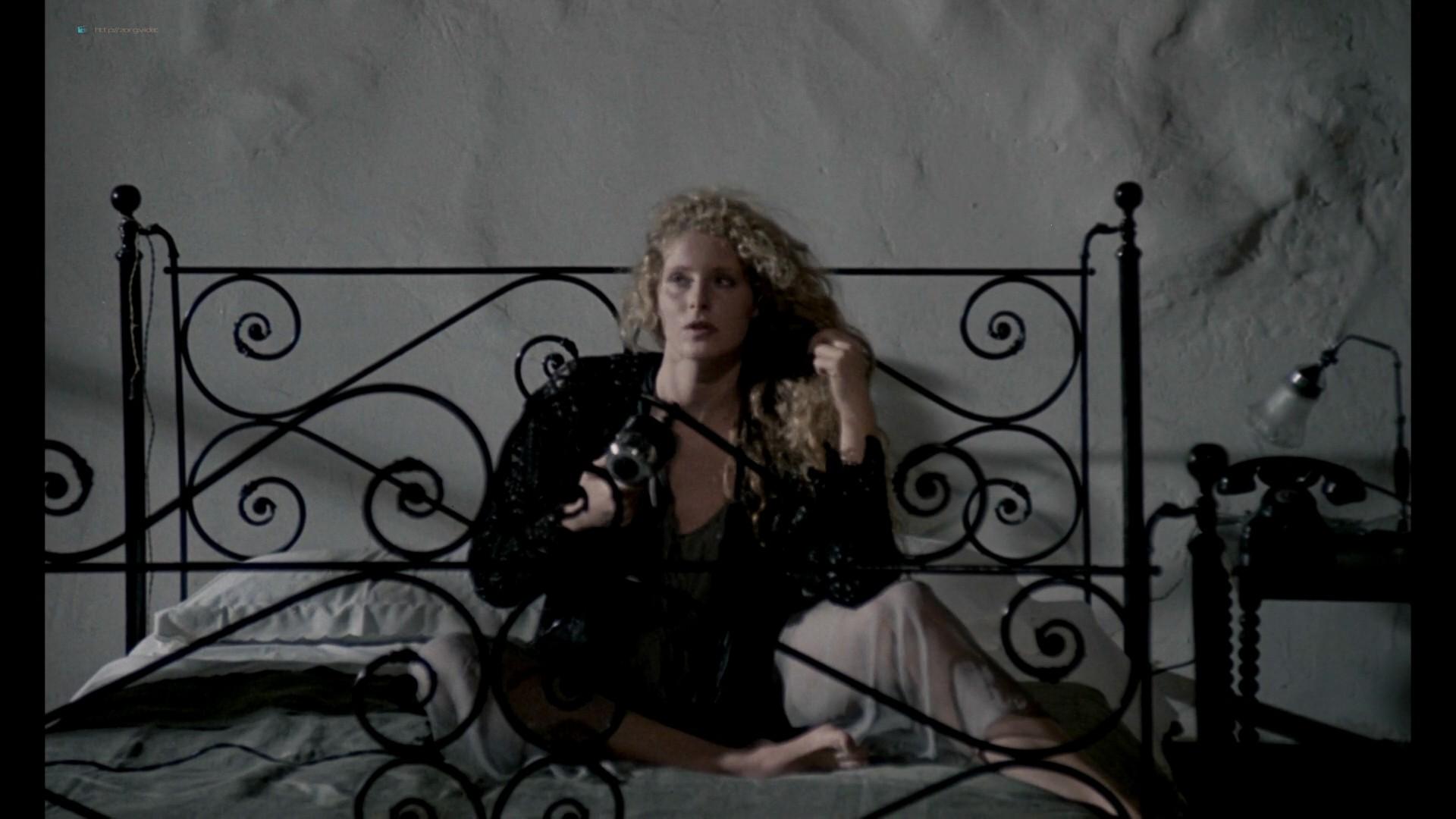 Domiziana Giordano nude topless - Nostalghia (1983) HD 1080p BluRay (7)