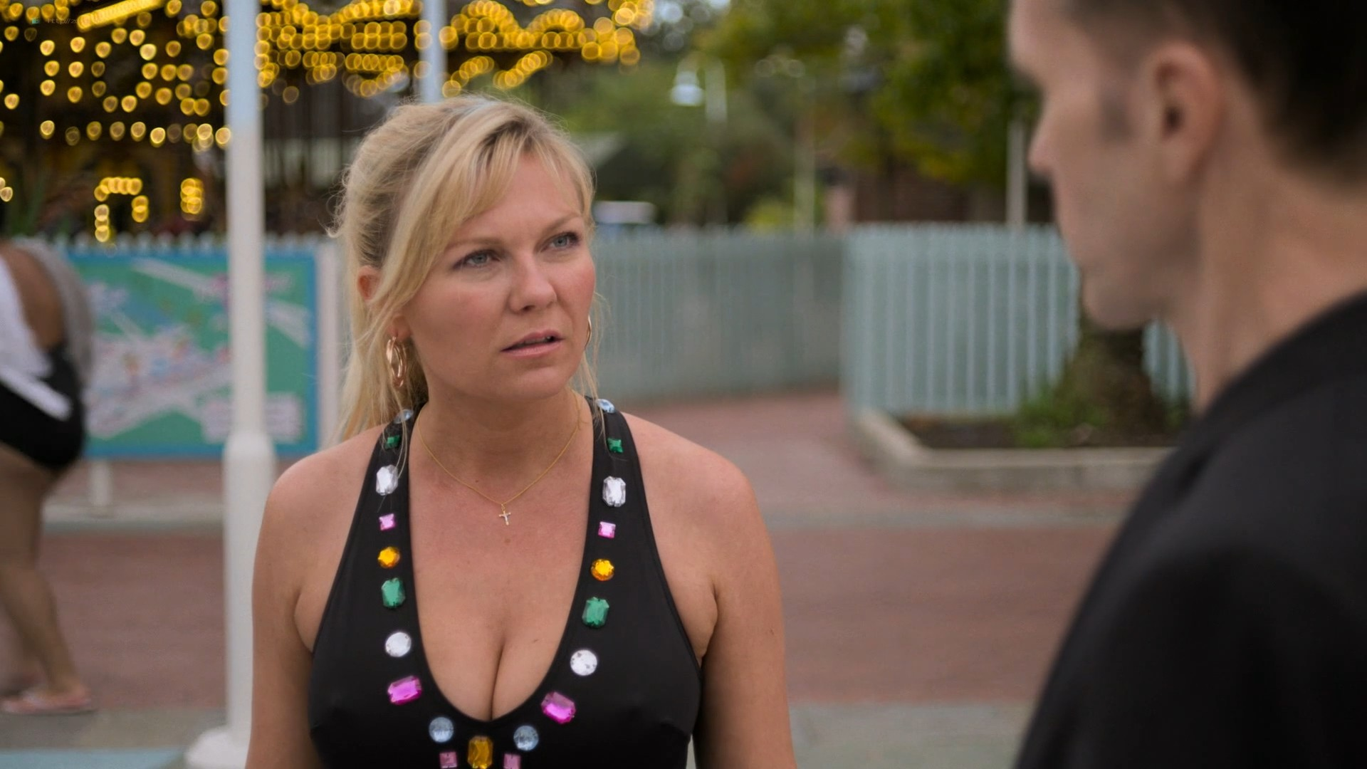 Kirsten Dunst hot and sexy - On Becoming a God in Central Florida (2019) s1e4 HD 1080p (4)