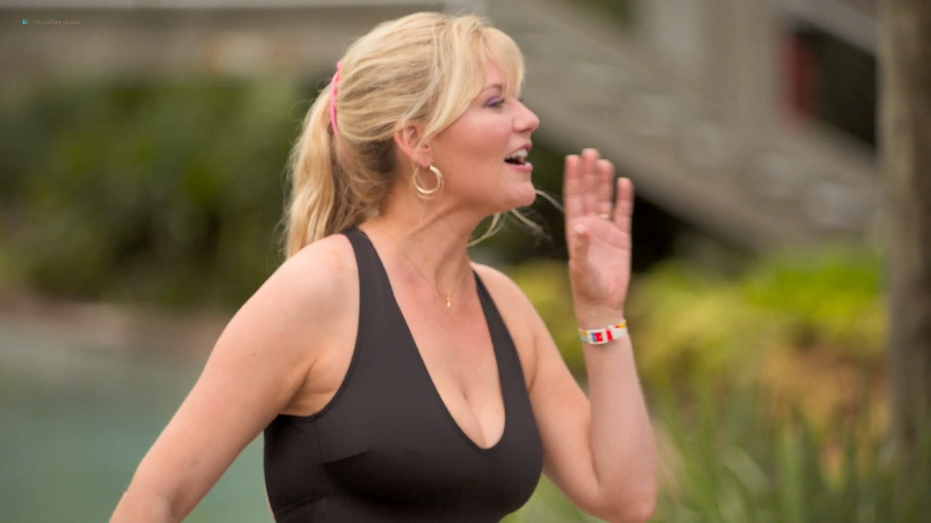 Kirsten Dunst hot sexy and busty - On Becoming a God in Central Florida (2019) s1e1-3 HD 1080p (5)