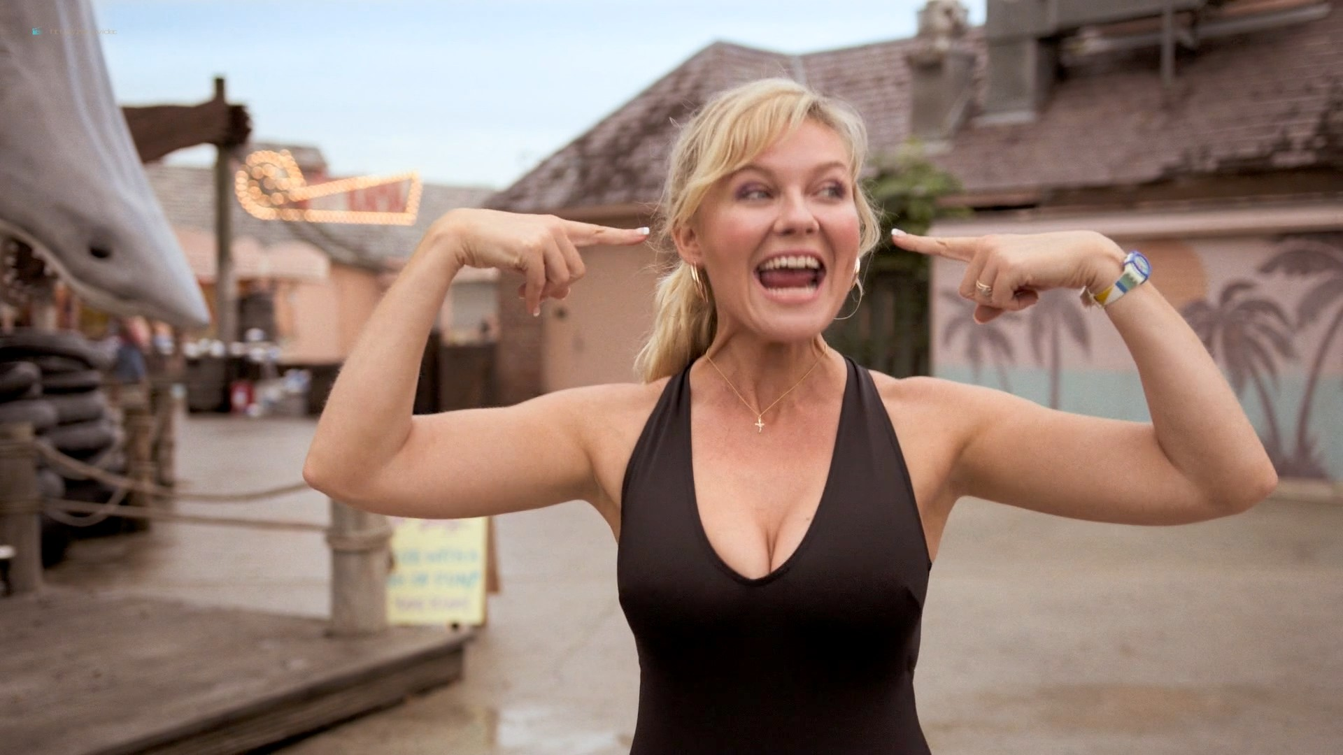 Kirsten Dunst hot sexy and busty - On Becoming a God in Central Florida (2019) s1e1-3 HD 1080p (4)