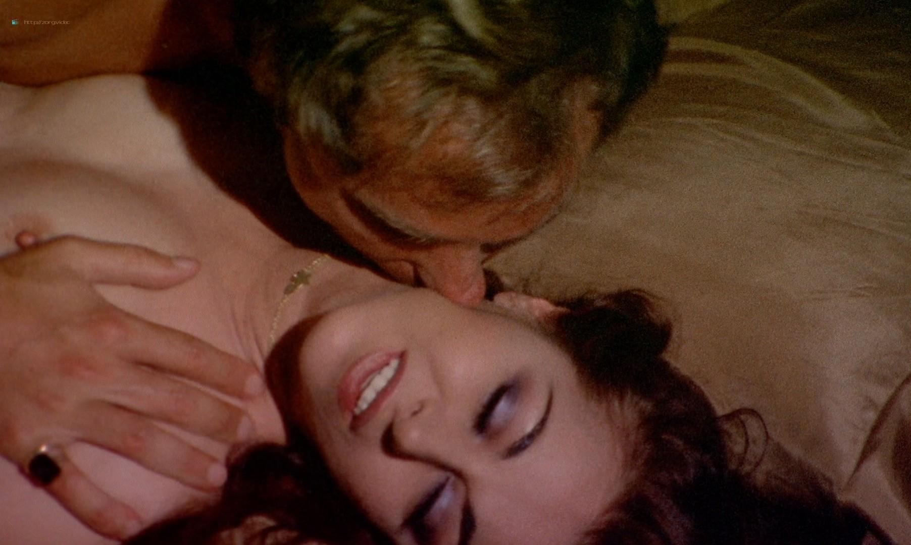 Leonora Fani nude full frontal Mariangela Giordano bush and hot sex - Giallo a venezia (1979) HD 1080p BluRay REMUX (8)