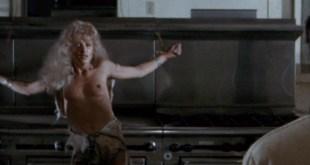 Cheryl Smith nude topless - Parasite (1982) 1080p BluRay (6)