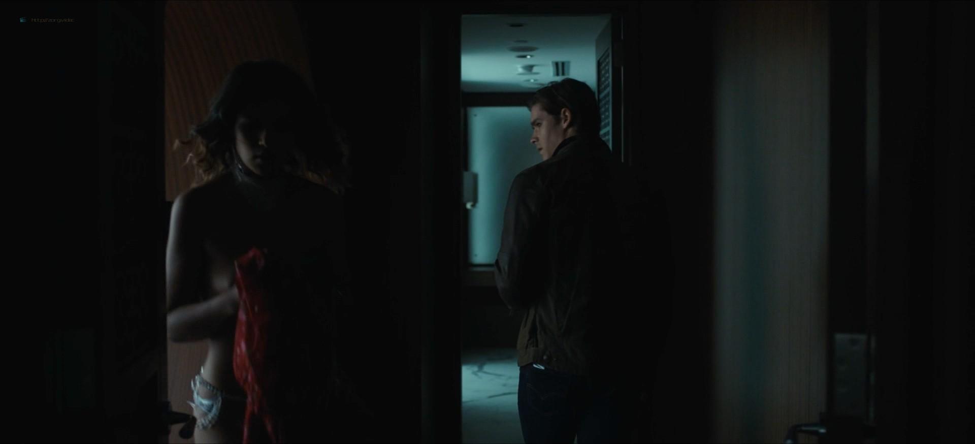 Jennifer Krukowski nude topless Devoshia Cooper nude too - Titans (2019) s2e7 1080p (2)