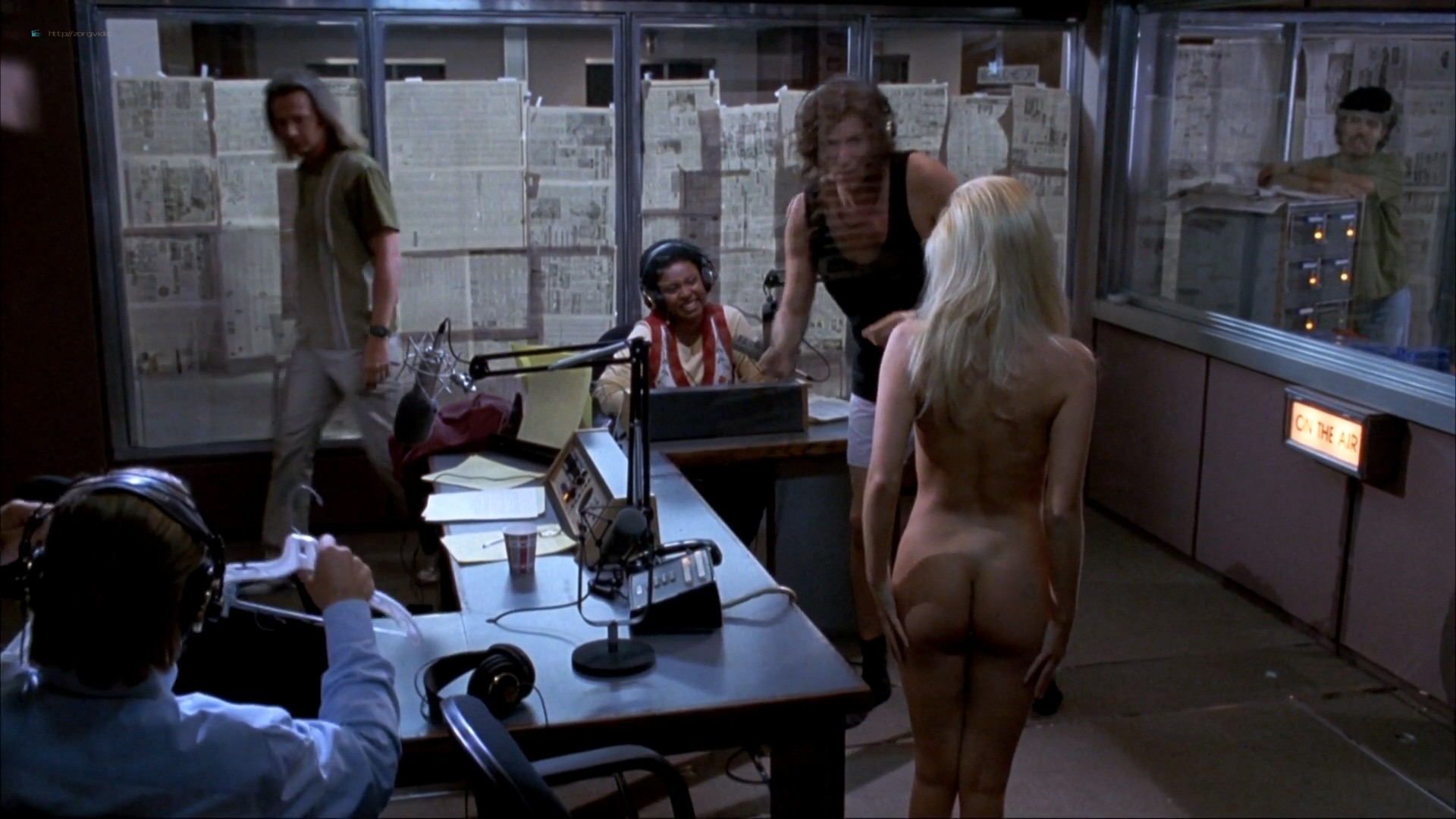 Melanie Good nude Jenna Jameson nude full frontal - Private Parts (1997) 1080p BluRay (17)