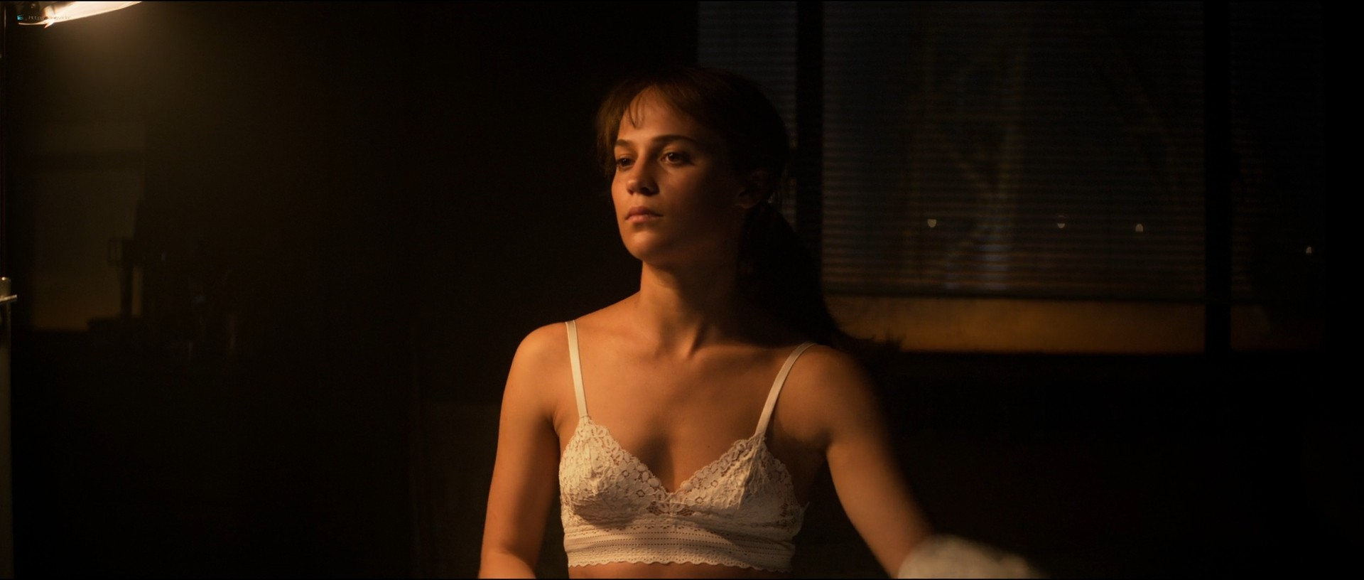 Alicia Vikander nude and some sex Riley Keough hot - Earthquake Bird (2019) 1080p Web (14)