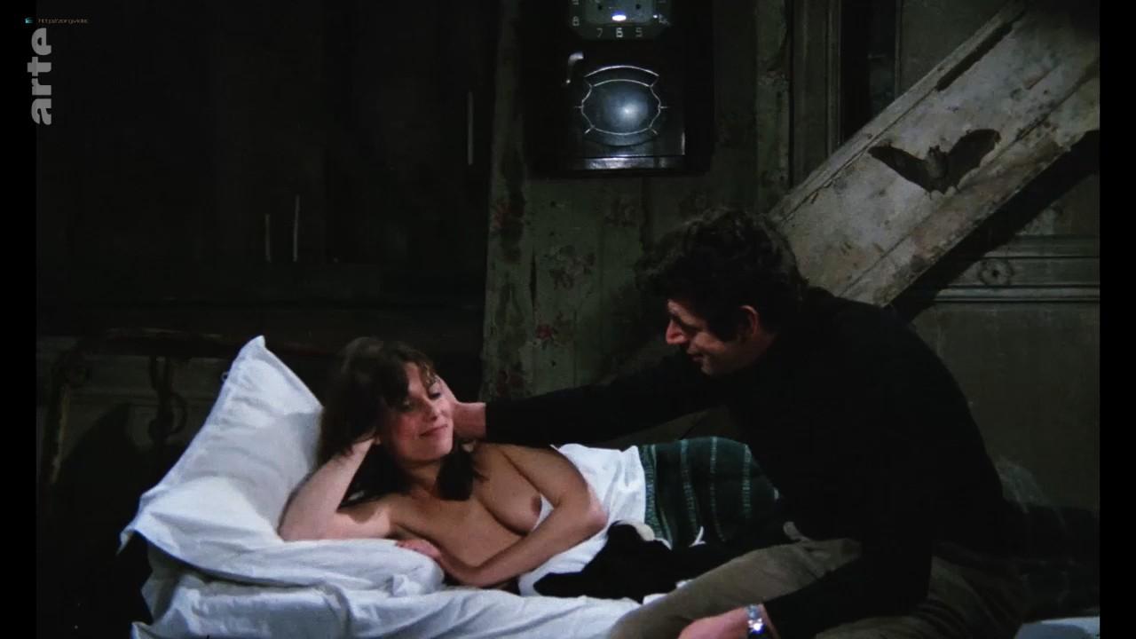 Bernadette Lafont nude bush and butt - La fiancée du pirate (1969) HDTV 720p (11)