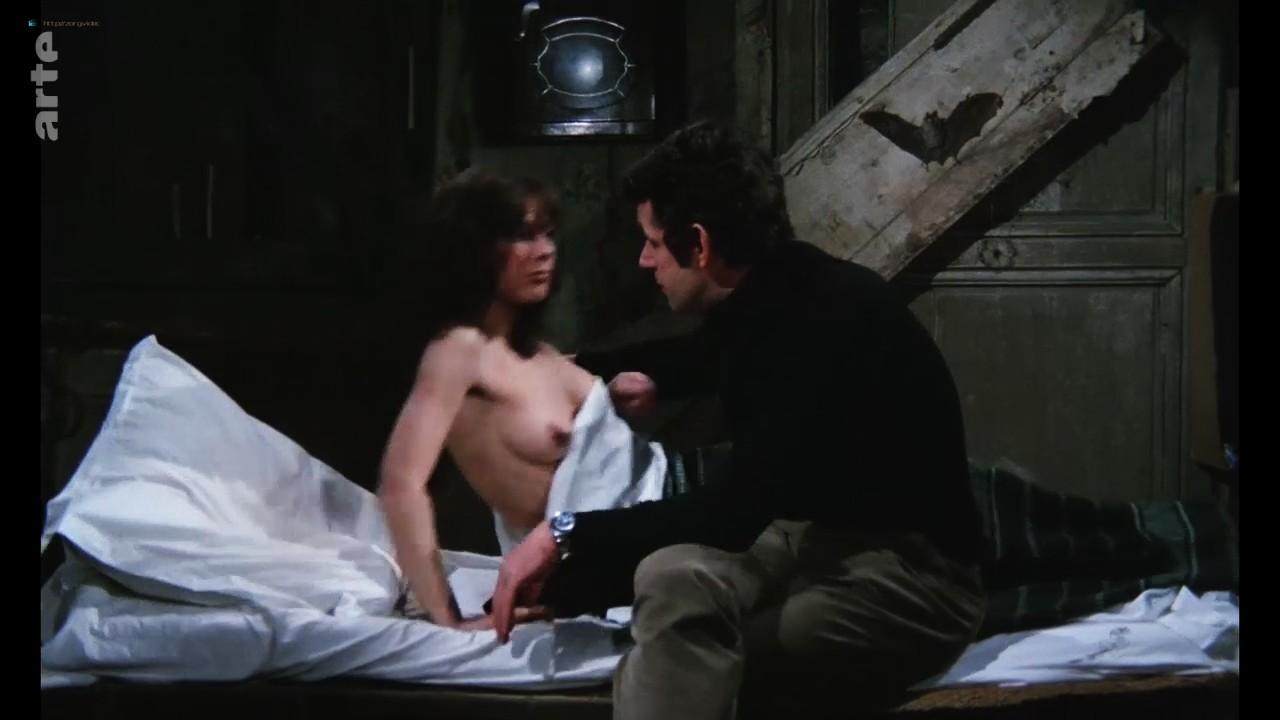Bernadette Lafont nude bush and butt - La fiancée du pirate (1969) HDTV 720p (10)