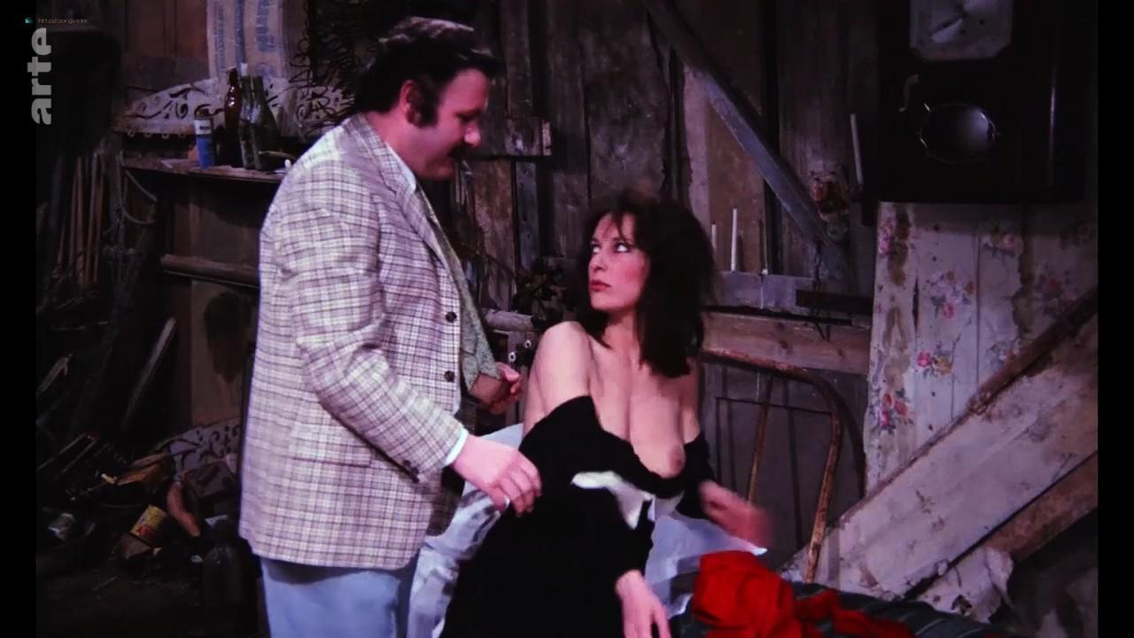 Bernadette Lafont nude bush and butt - La fiancée du pirate (1969) HDTV 720p (7)