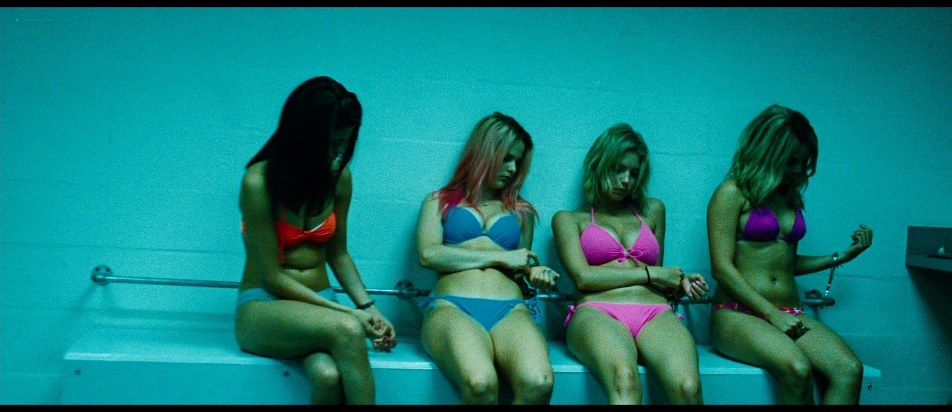 Ashley Benson nude skinny dipping others nude too - Spring Breakers (2012) HD 1080p BluRay (11)