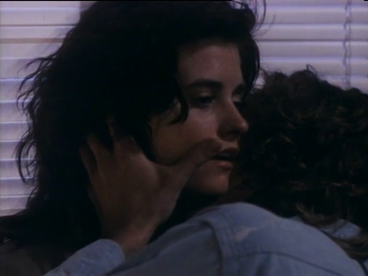 Courteney Cox nude nip slip and sex - Blue Desert (1991) (11)