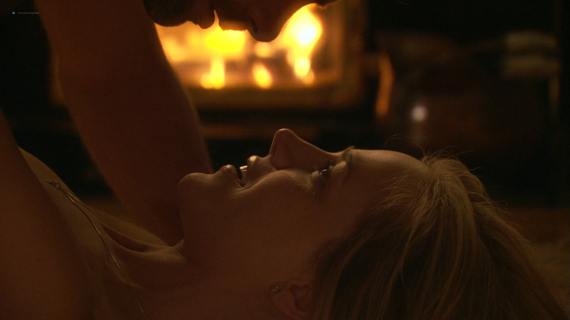 Julie Benz hot and some sex - Circle of Friends (2006) HD 1080p WEB (9)