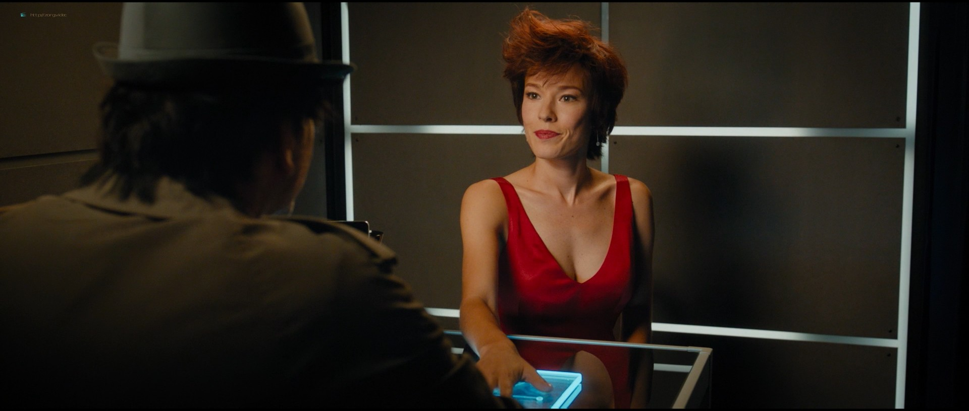 Pamela Anderson sexy Élodie Fontan and others hot - Nicky Larson et le parfum de Cupidon (2018) 1080p BluRay (8)