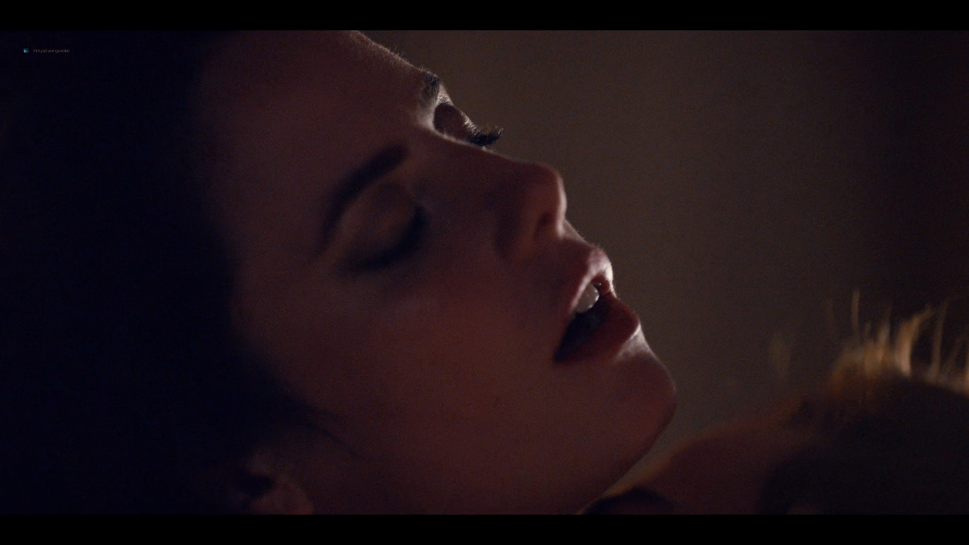 Kaya Scodelario hot and some sex - Spinning Out (2020) s1e1-3 HD 1080p (4)