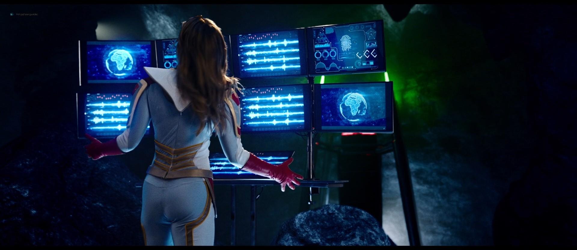 Melissa Benoist hot Shannon Elizabeth sexy - Jay and Silent Bob Reboot (2019) HD 1080p BluRay (4)