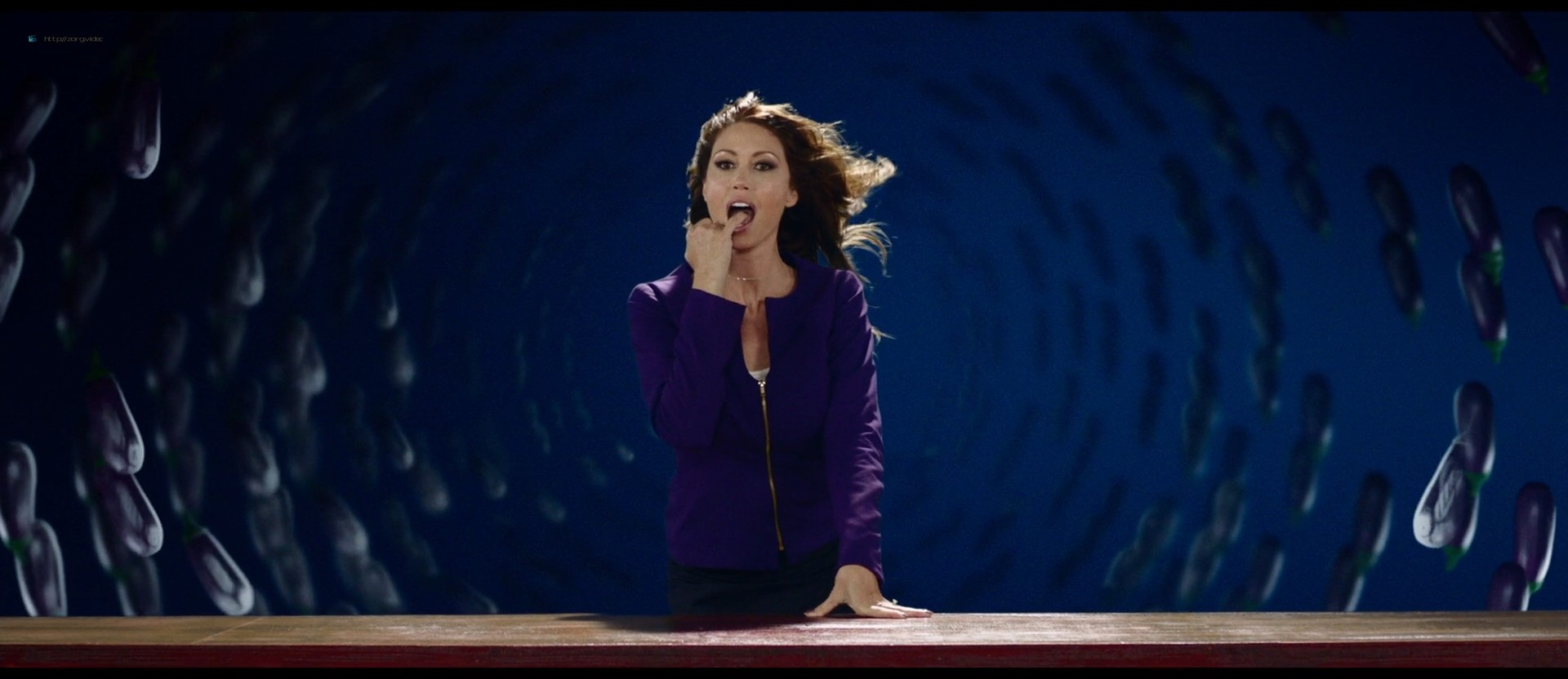 Melissa Benoist hot Shannon Elizabeth sexy - Jay and Silent Bob Reboot (2019) HD 1080p BluRay (17)