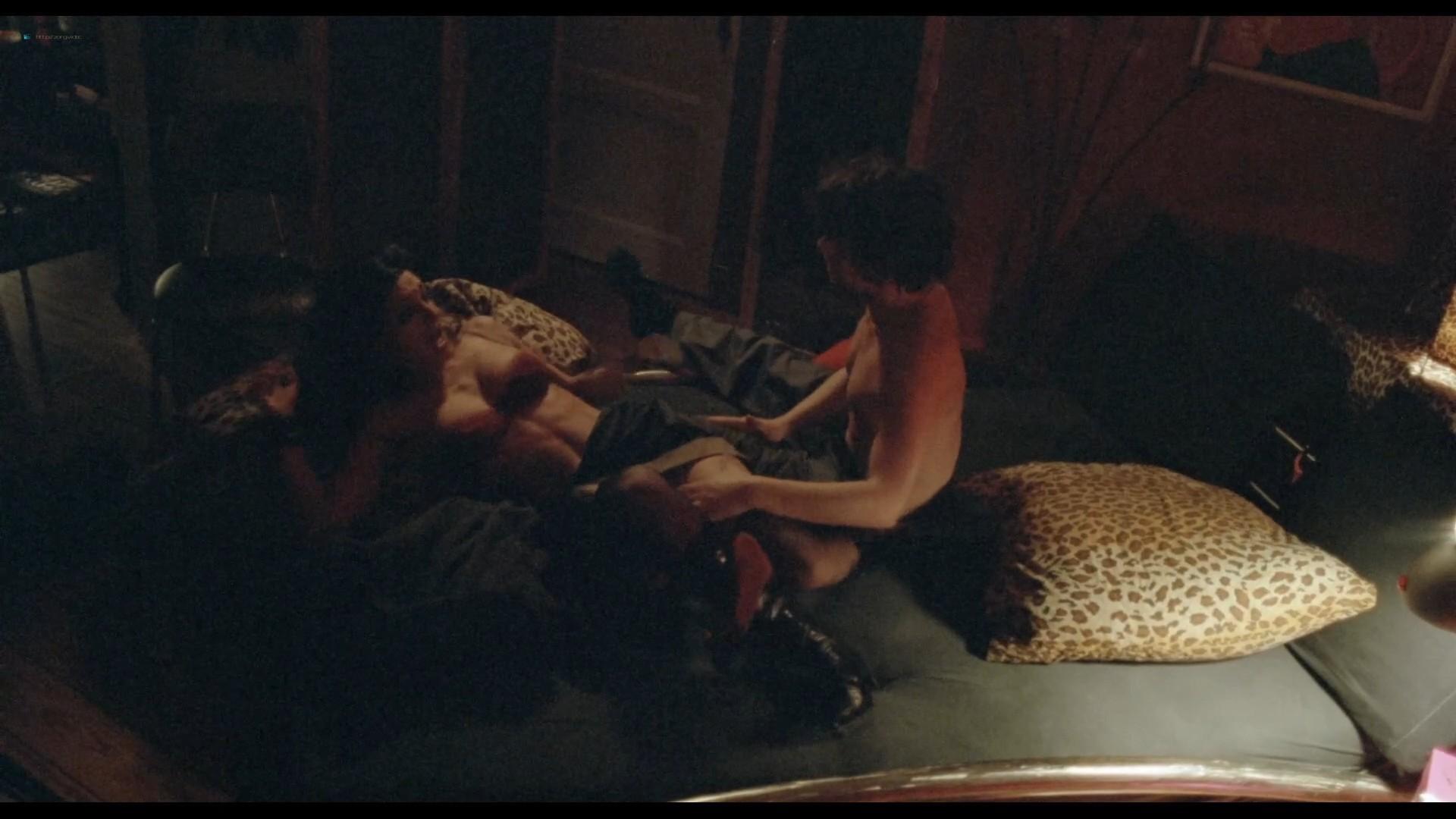 Sibel Kekilli nude full frontal and sex Catrin Striebeck nude - Head-On (2004) HD 1080p BluRay (r) (18)