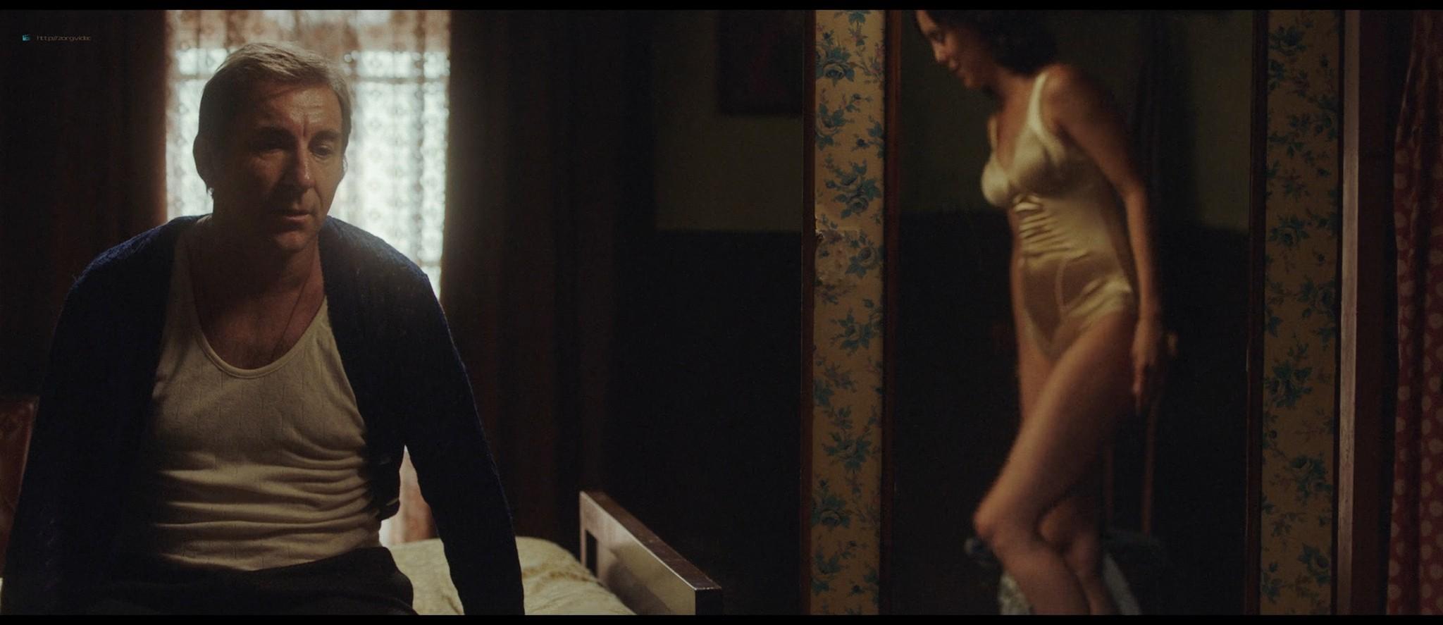 Belén Cuesta nude and sex - La trinchera infinita (ES-2019) HD 1080p Web (2)
