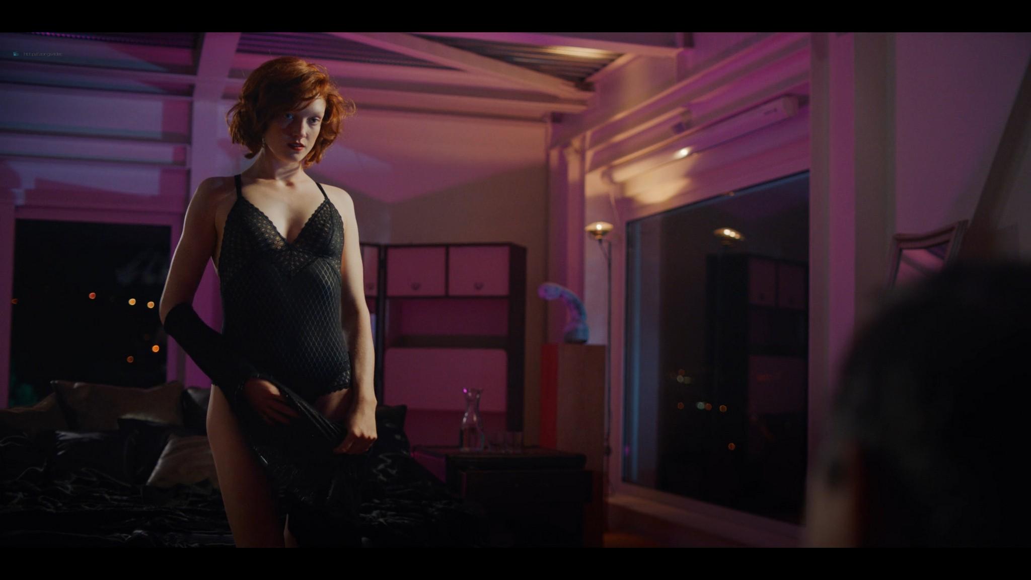 Anne-Laure Vandeputte nude topless Nienke van Hofslot nude sex etc - Women of the Night (2019) s1e7-10 HD 1080p (4)