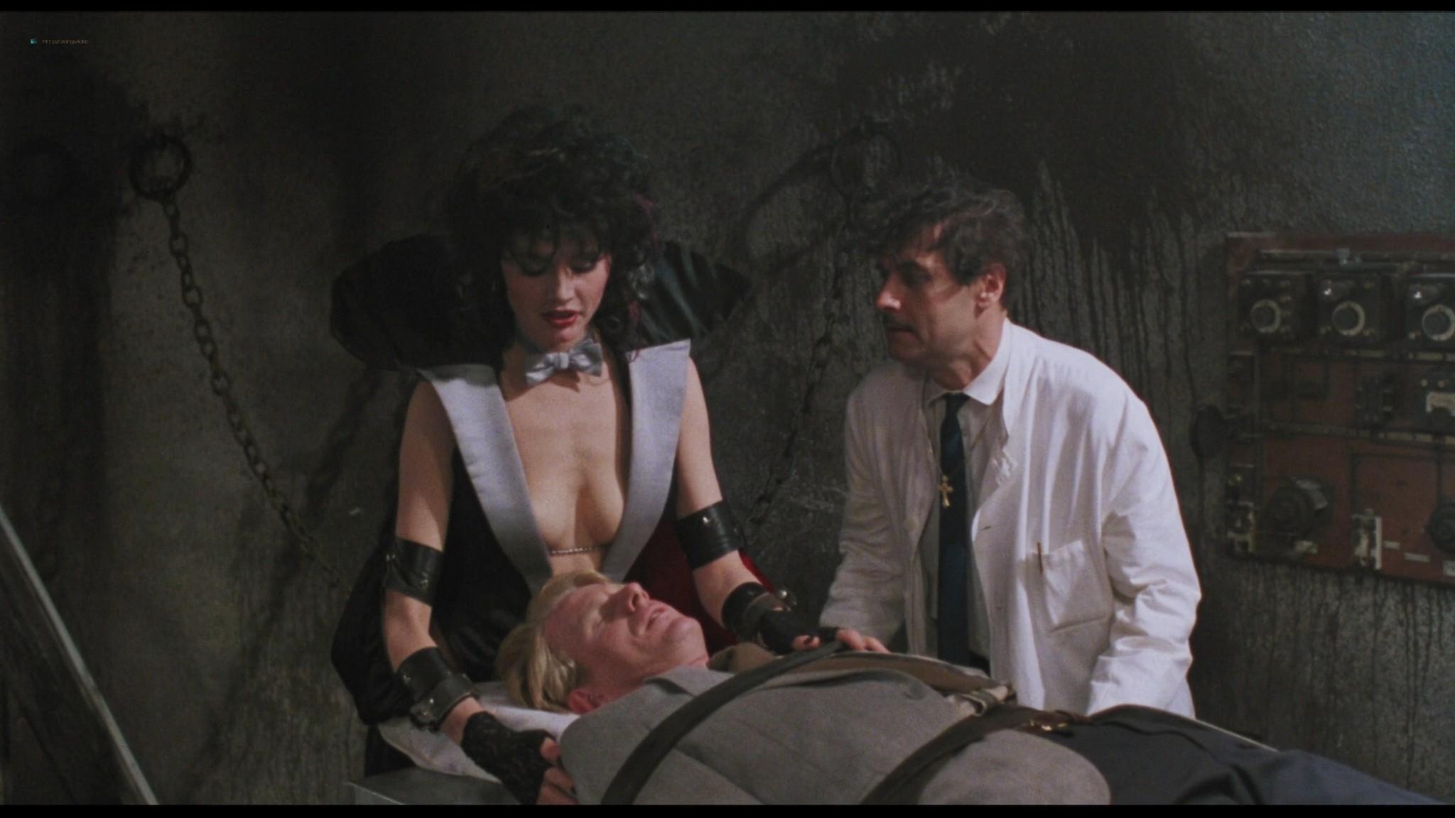 Geena Davis hot and sexy Ksenia Prohaska sexy - Transylvania 6-5000 (1985) HD 1080p BluRay (9)