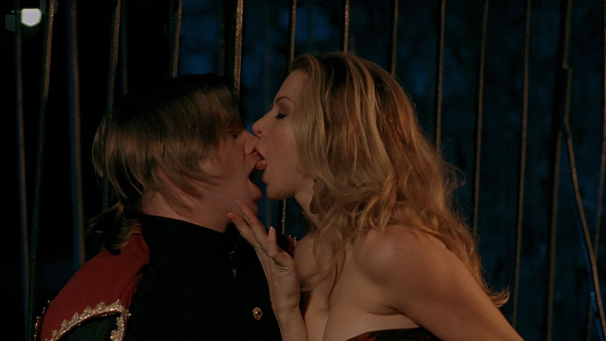 Jennifer Lyons hot Simon Petric, Desiree Malonga and others nude - Transylmania (2009) HD 1080p BluRay (r) (10)
