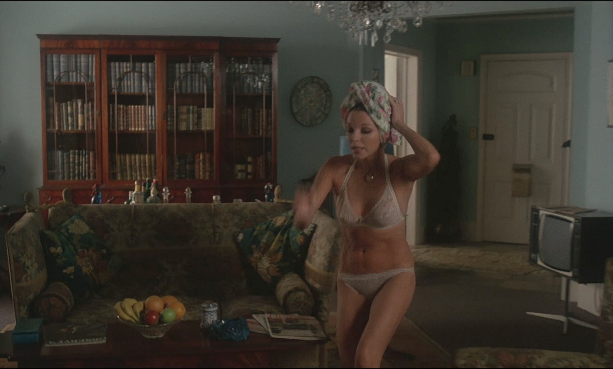 Joan Collins nude sex Annie Ross nude and sex too - Oh, Alfie! (1975) HD 1080p BluRay (13)