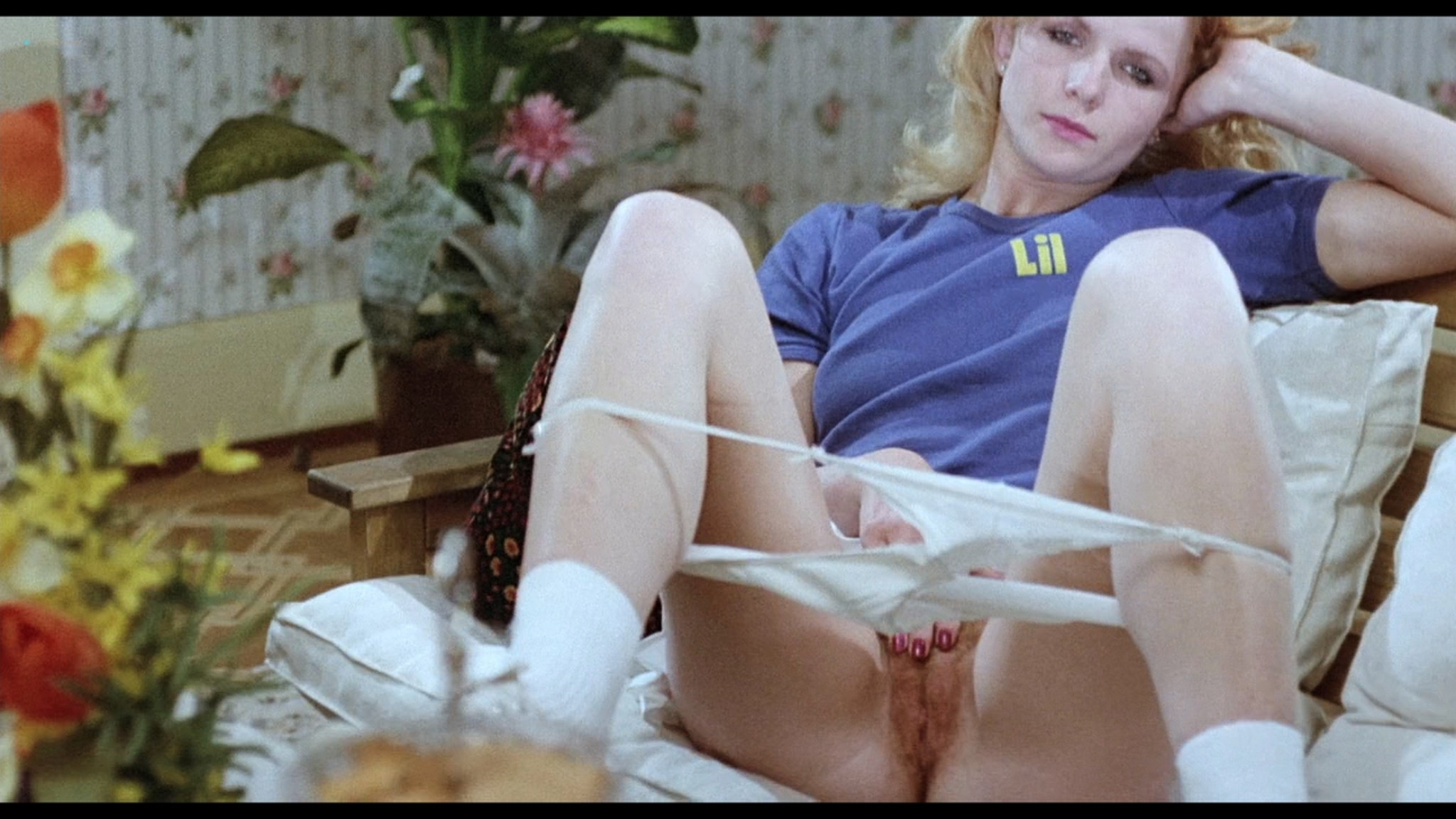Brigitte Lahaie nude sex Elsa Maroussia and other lots of sex - Swedish Gas Pump Girls (1980) HD 720p BluRay (22)