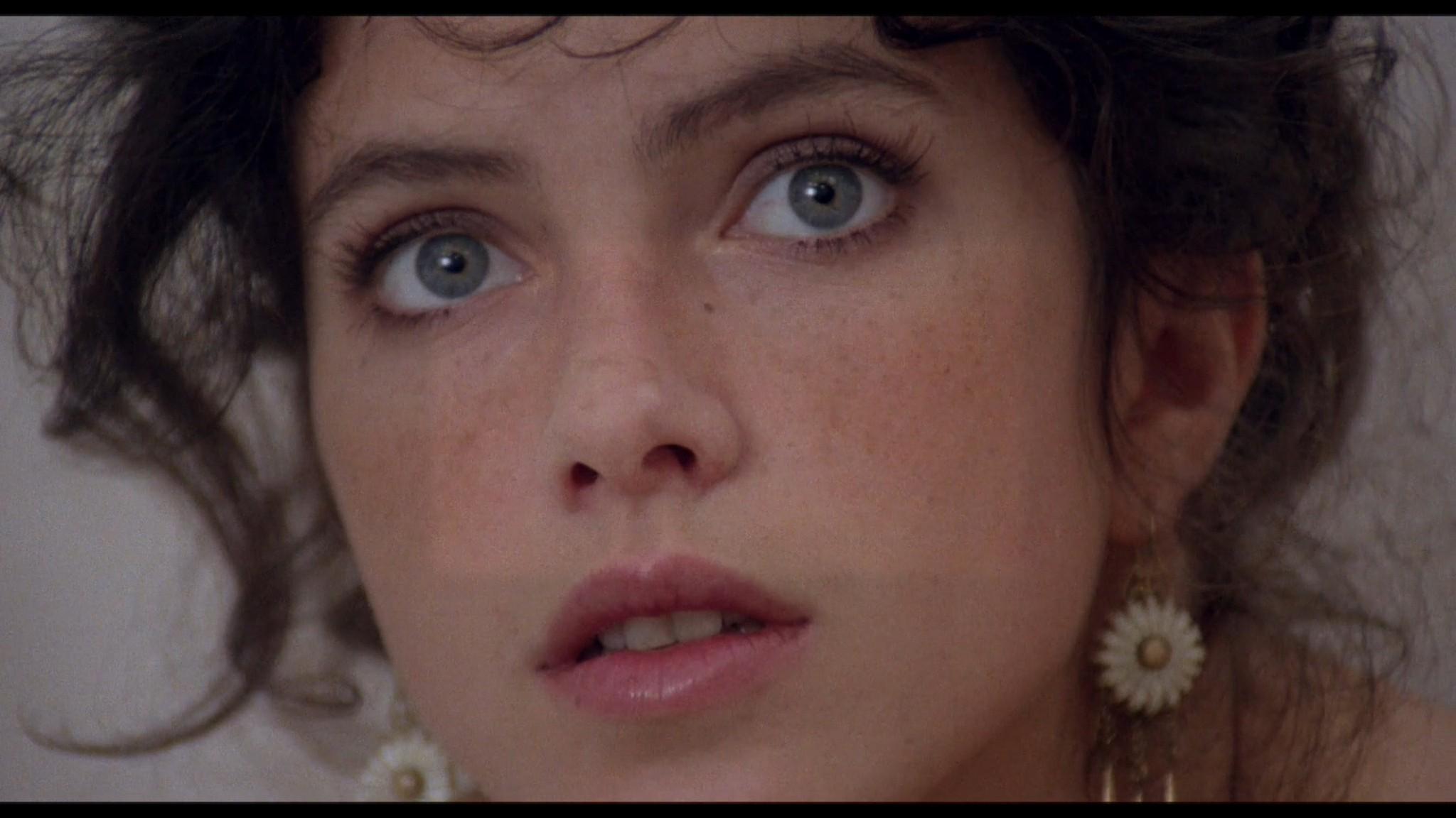 Clio Goldsmith nude full frontal Donatella Damiani sex - Honey (1981) HD 1080p BluRay (17)