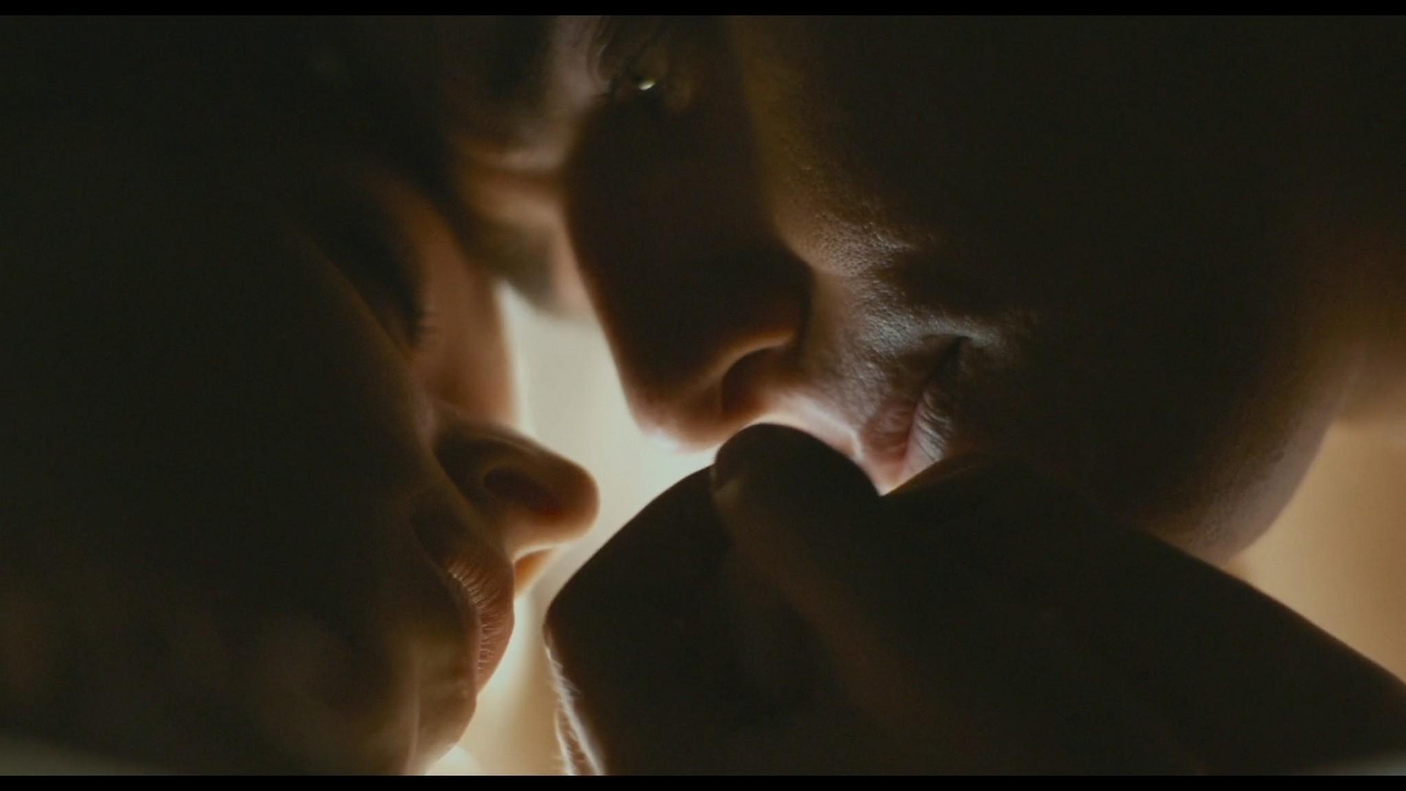 Roos van Erkel nude butt - Het bombardement (NL-2012) HD 1080p BluRay (3)