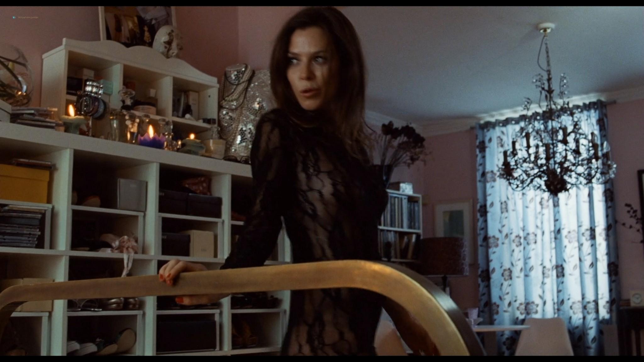 Anna Friel sexy Keira Knightley hot - London Boulevard (2011) HD 1080p BluRay (3)