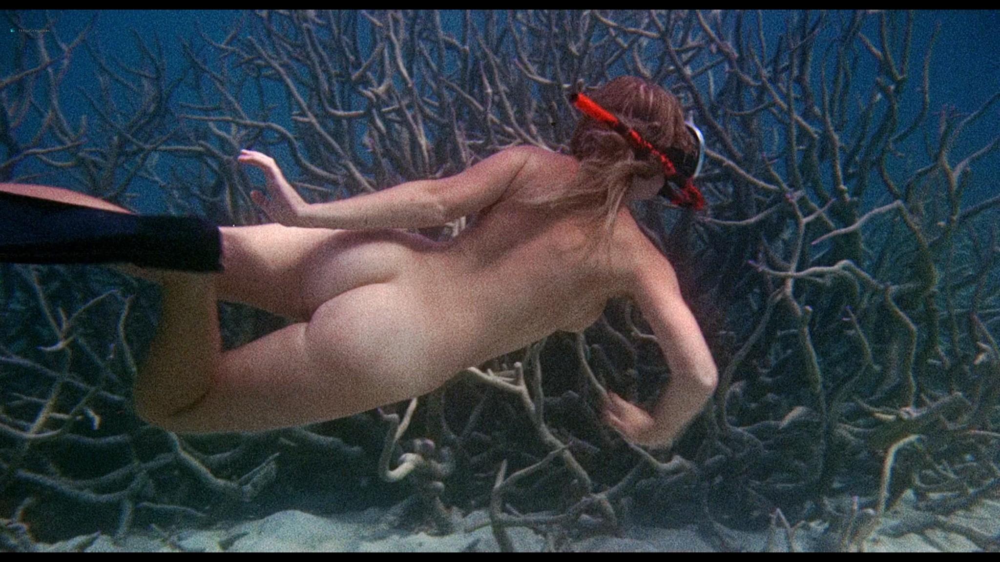Helen Mirren nude skinny dipping Clarissa Kaye-Mason nude sex - Age of Consent (1969) HD 1080p BluRay Remux (10)