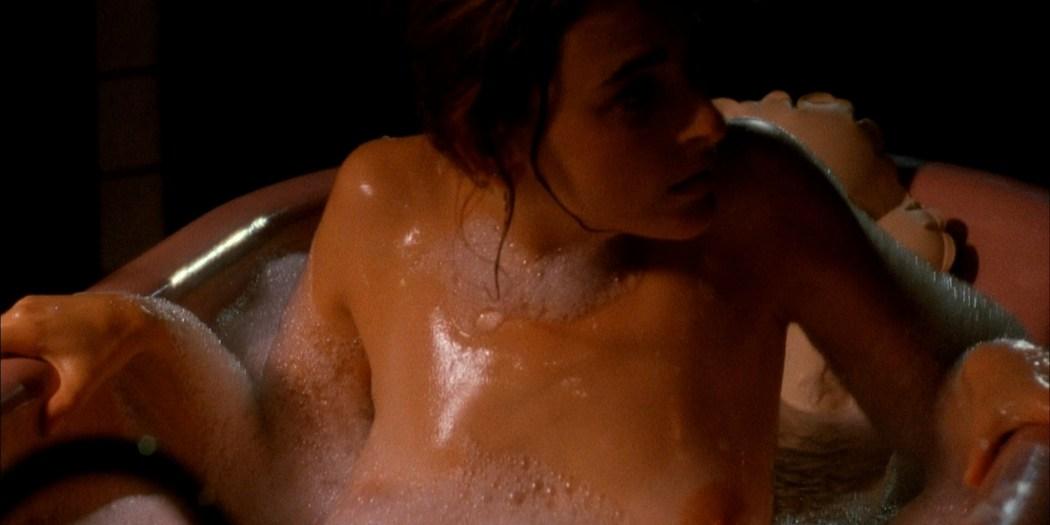 Marlee Matlin nude topless at the tub - Hear No Evil (1993) HD 1080p Web (5)
