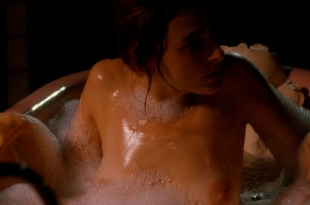 Marlee Matlin nude topless at the tub - Hear No Evil (1993) HD 1080p Web (5)