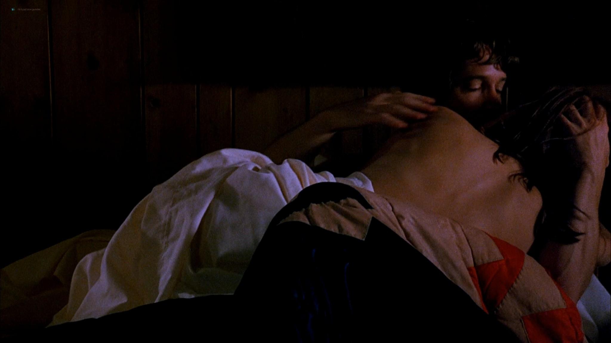 Marlee Matlin nude topless at the tub - Hear No Evil (1993) HD 1080p Web (2)