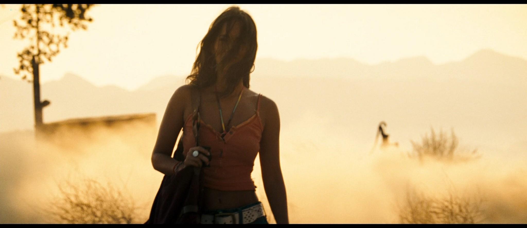 Megan Fox hot and sexy - Transformers (2007) HD 1080p BluRay Remux (11)