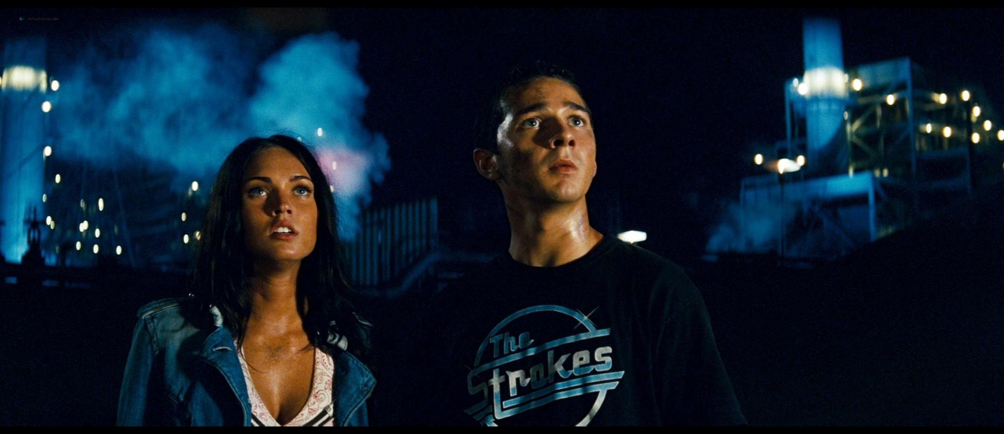 Megan Fox hot and sexy - Transformers (2007) HD 1080p BluRay Remux (8)