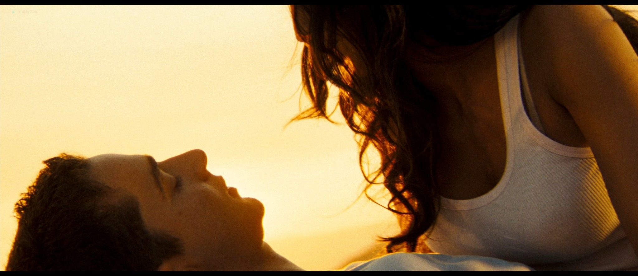 Megan Fox hot and sexy - Transformers (2007) HD 1080p BluRay Remux (3)
