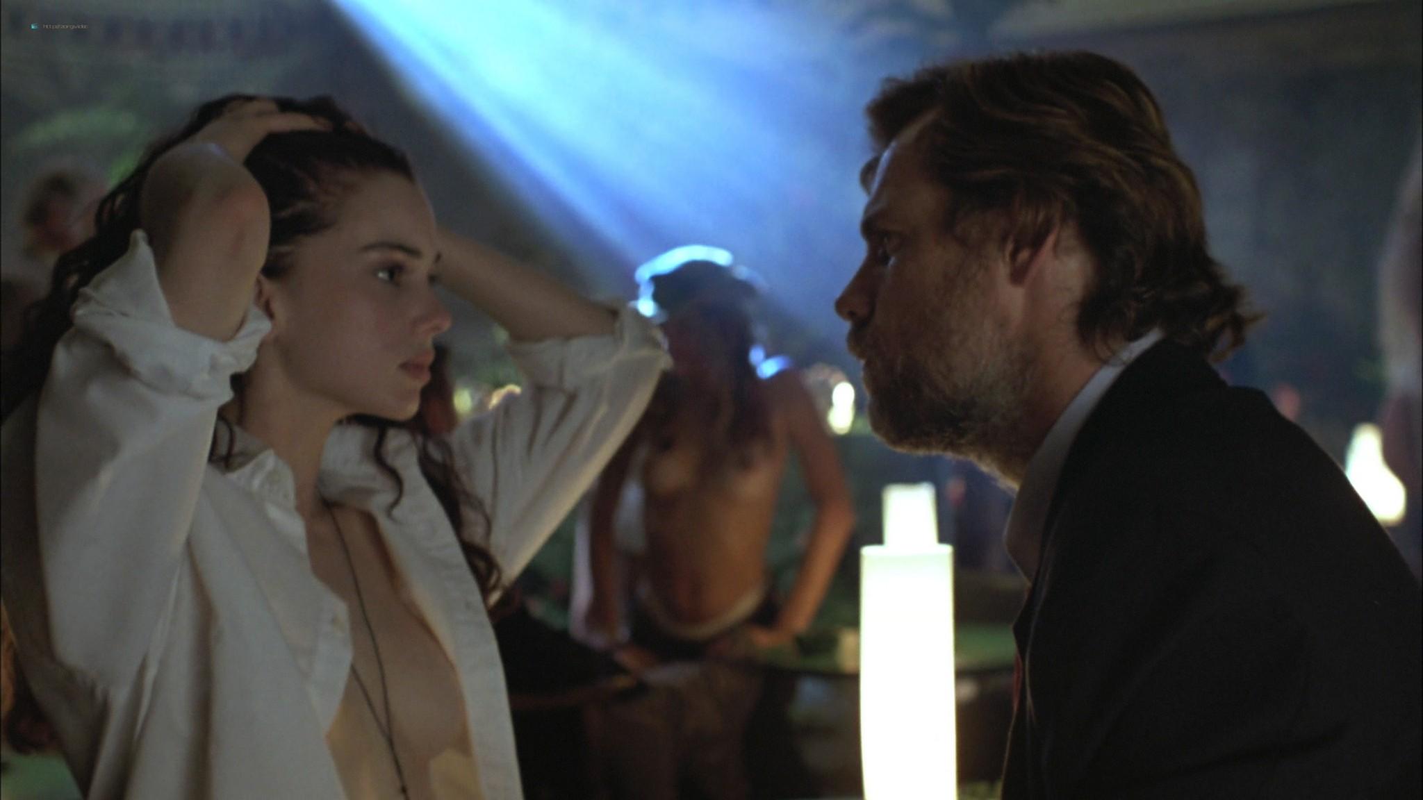 Mia Kirshner nude Arsinée Khanjian sexy - Exotica (1994) HD 1080p BluRay REMUX (14)