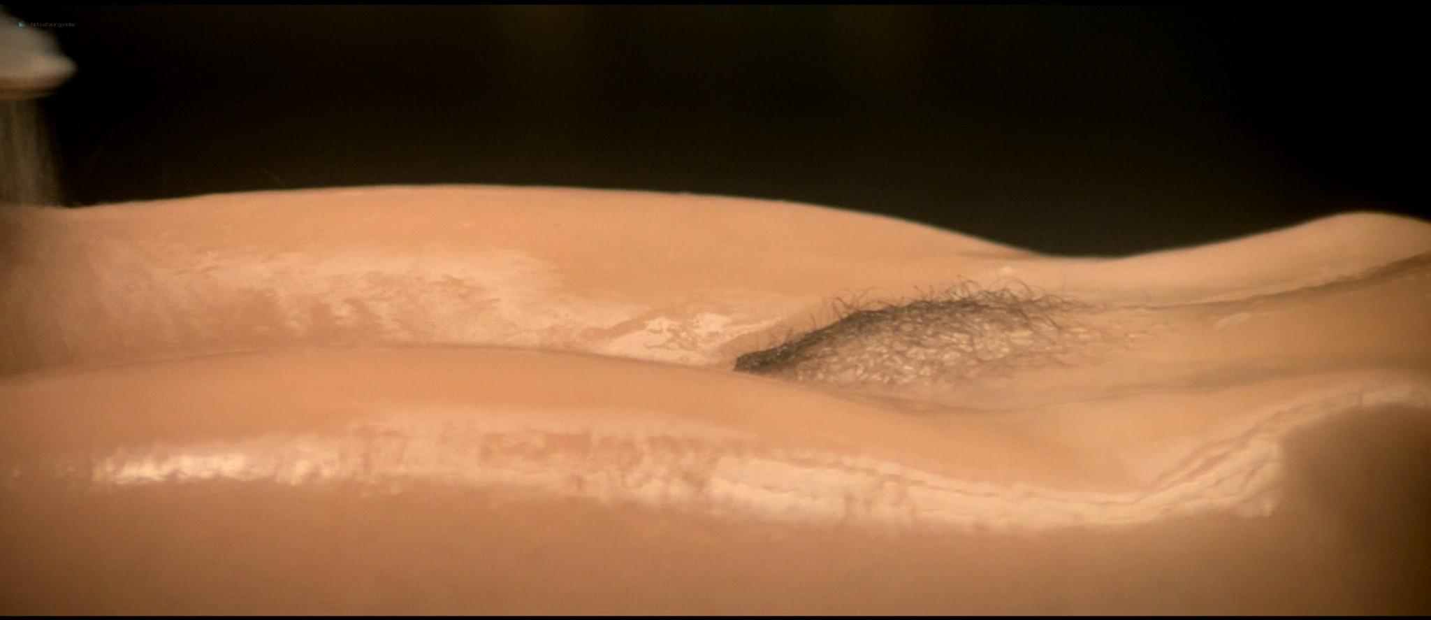Sylvia Kristel nude sex threesome Catherine Rivet, Laura Gemser nude - Emmanuelle 2 (1975) HD 1080p REMUX (19)