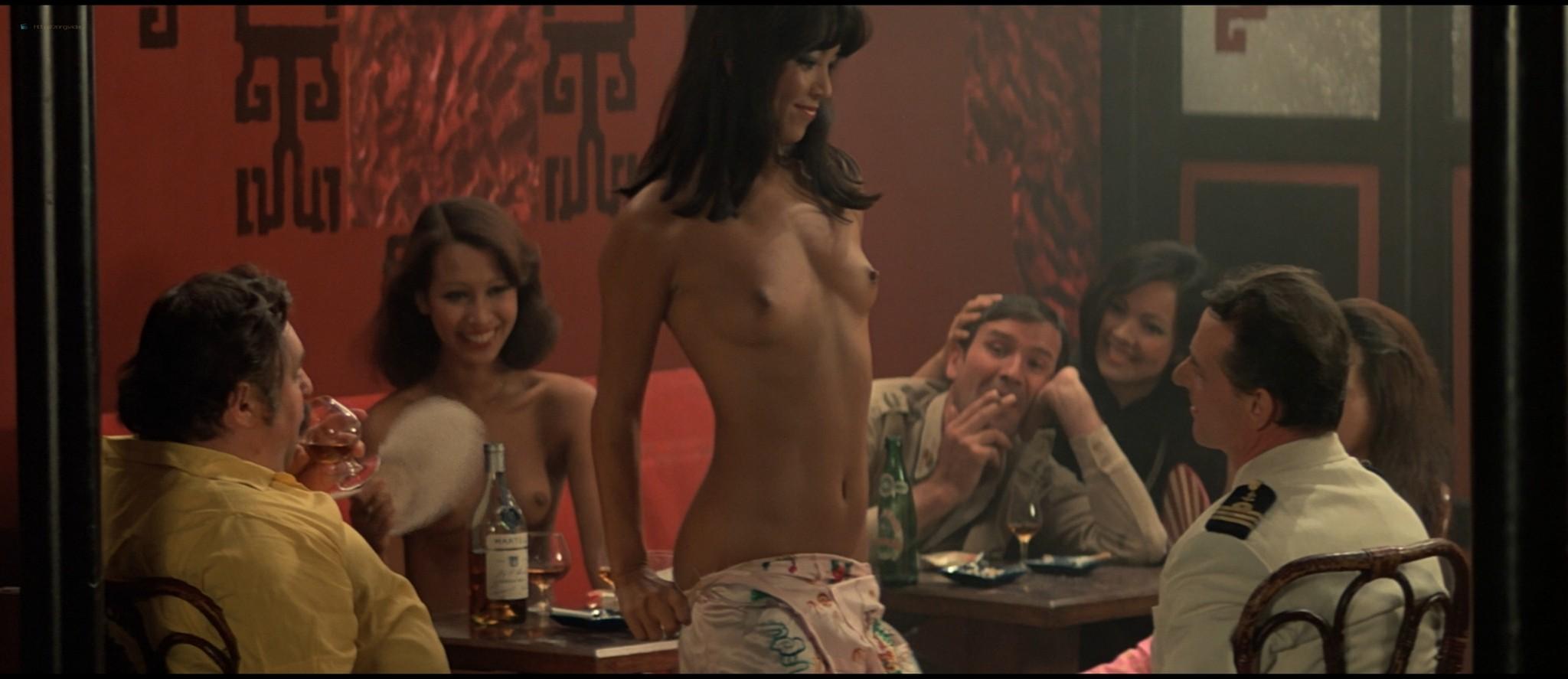 Sylvia Kristel nude sex threesome Catherine Rivet, Laura Gemser nude - Emmanuelle 2 (1975) HD 1080p REMUX (16)