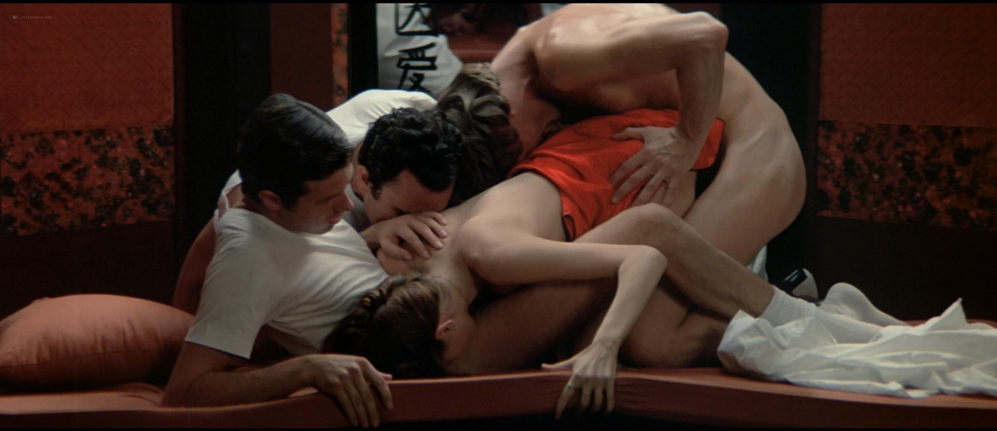 Sylvia Kristel nude sex threesome Catherine Rivet, Laura Gemser nude - Emmanuelle 2 (1975) HD 1080p REMUX (7)