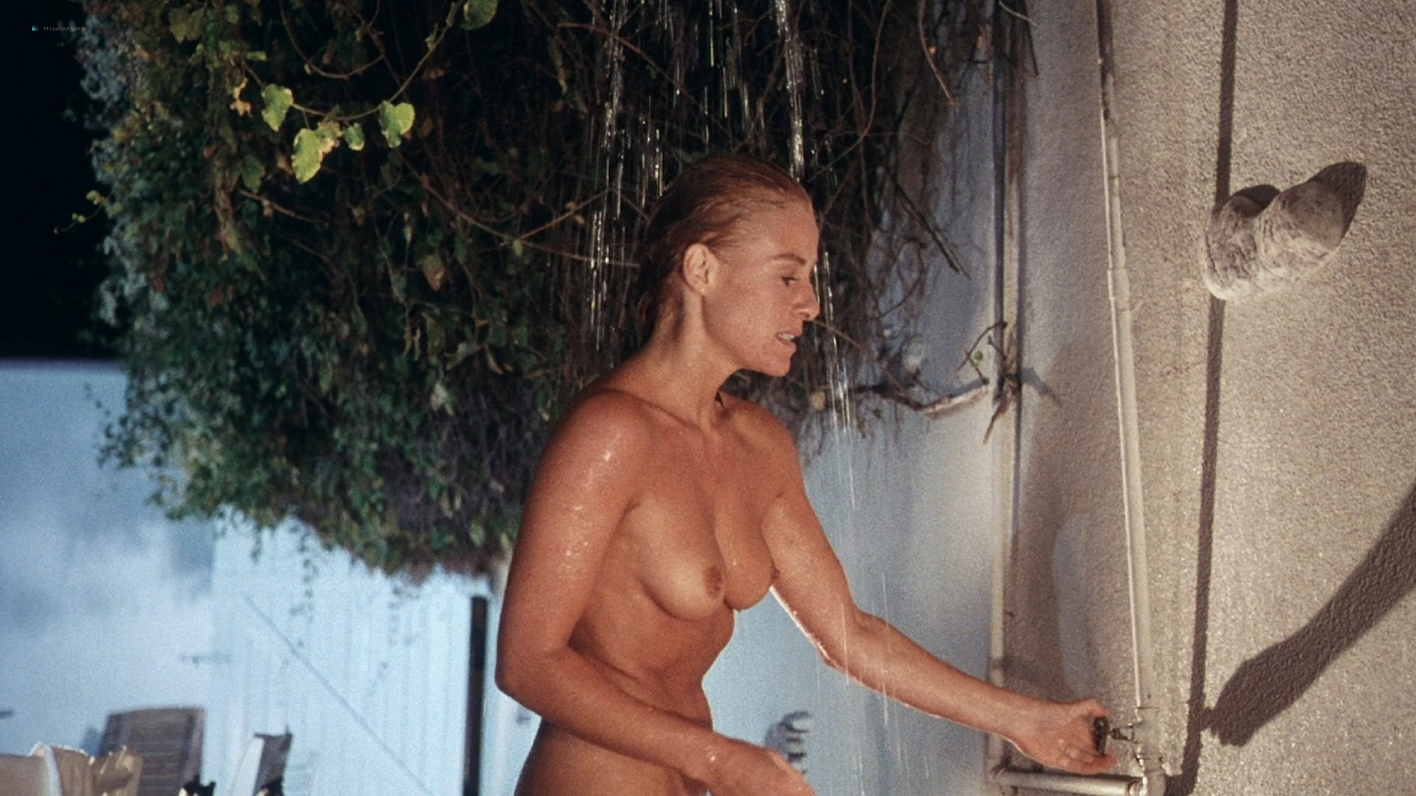 Belinda Mayne nude full frontal - White Fire (1984) HD 1080p BluRay (11)
