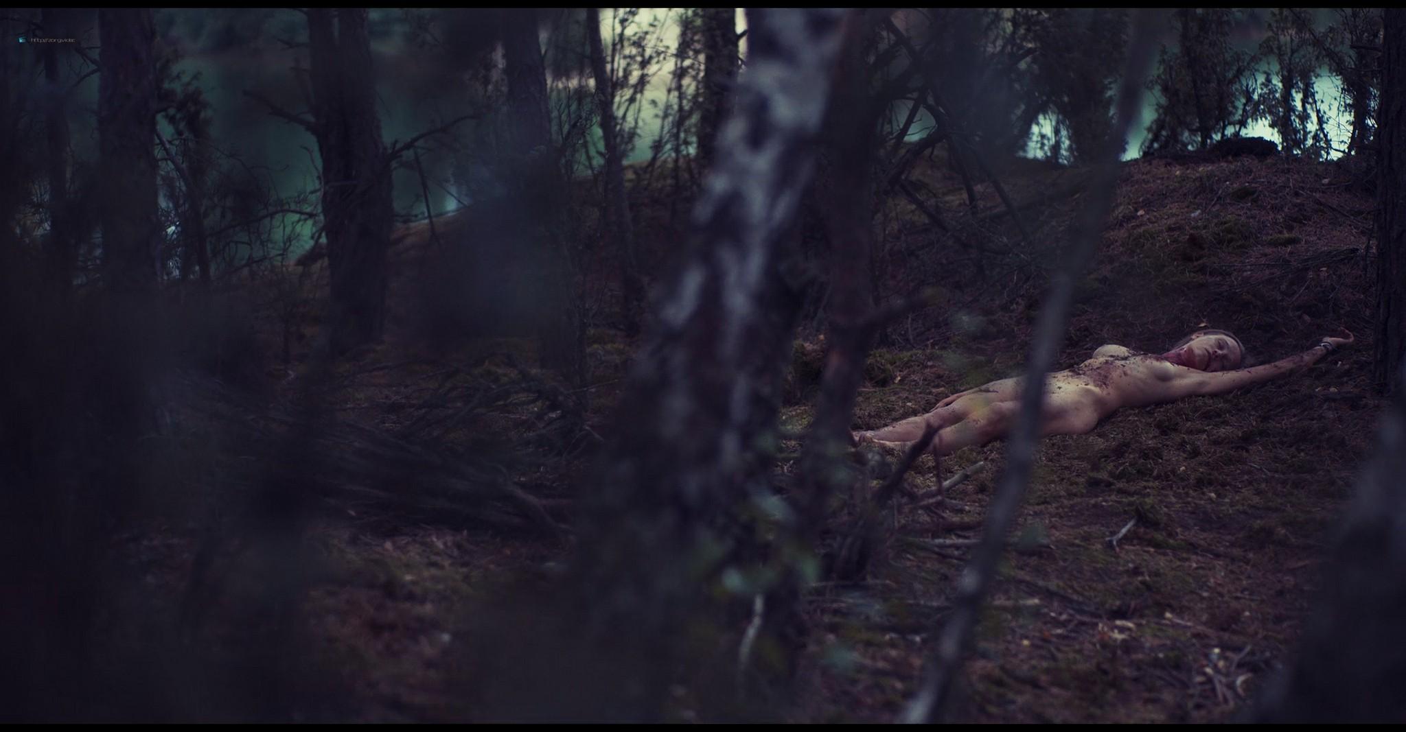 Kinga Jasik nude bush and sex Wiktoria Filus sex - The woods (2020) HD 1080p (12)