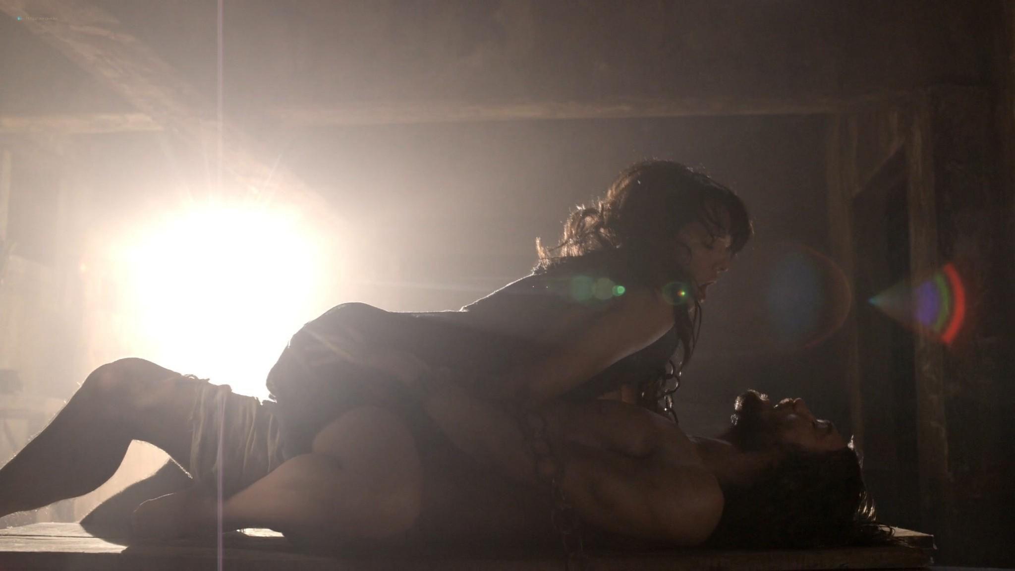 Lucy Lawless nude sex Erin Cummings, Aria Dickson nude too - Spartacus - Sacramentum Gladiatorum (2010) s1e2 HD 1080p (15)