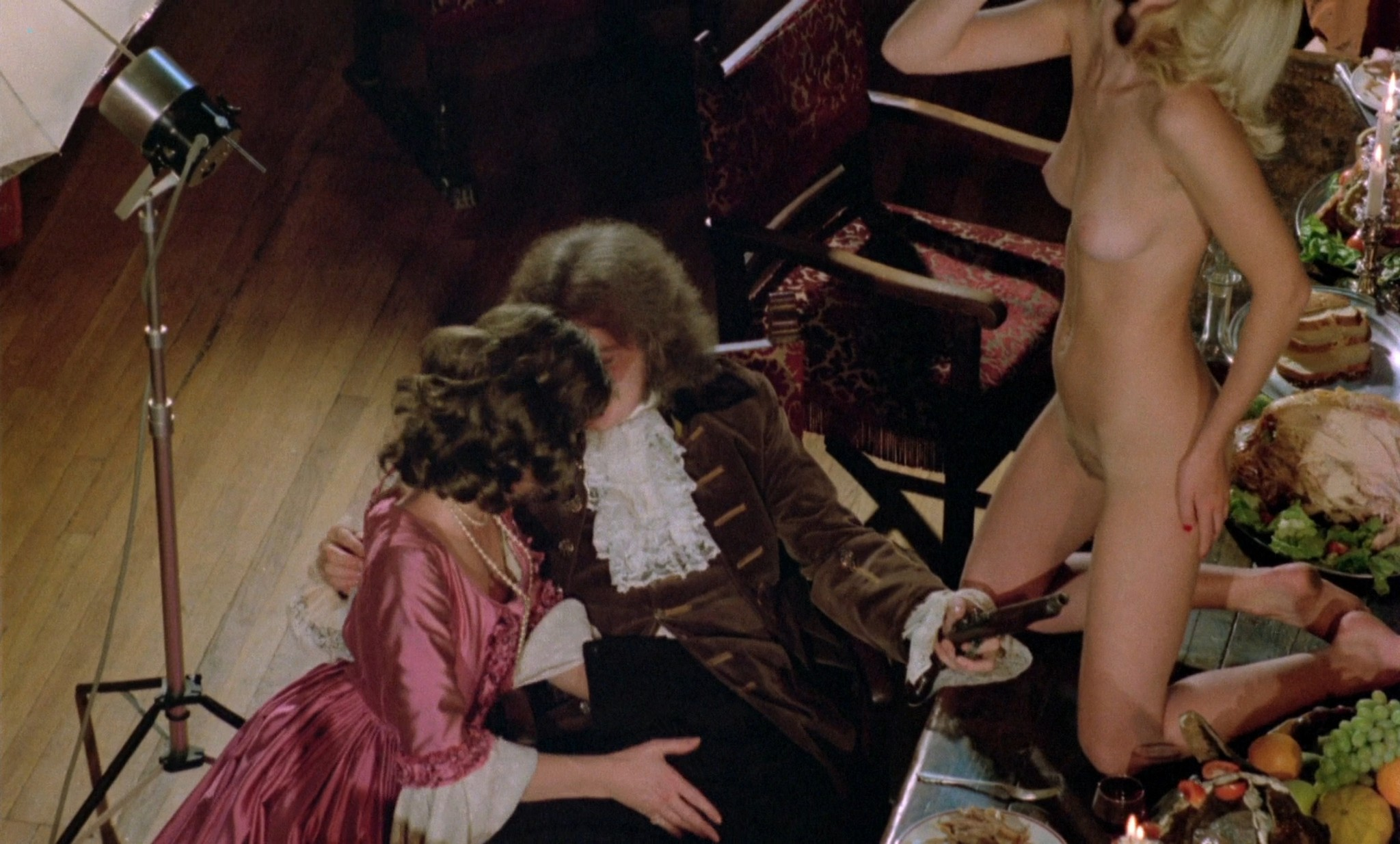 Suzy Mandel nude full frontal Gloria Brittain others nude sex - The Playbirds (UK-1978) HD 1080p BluRay (16)
