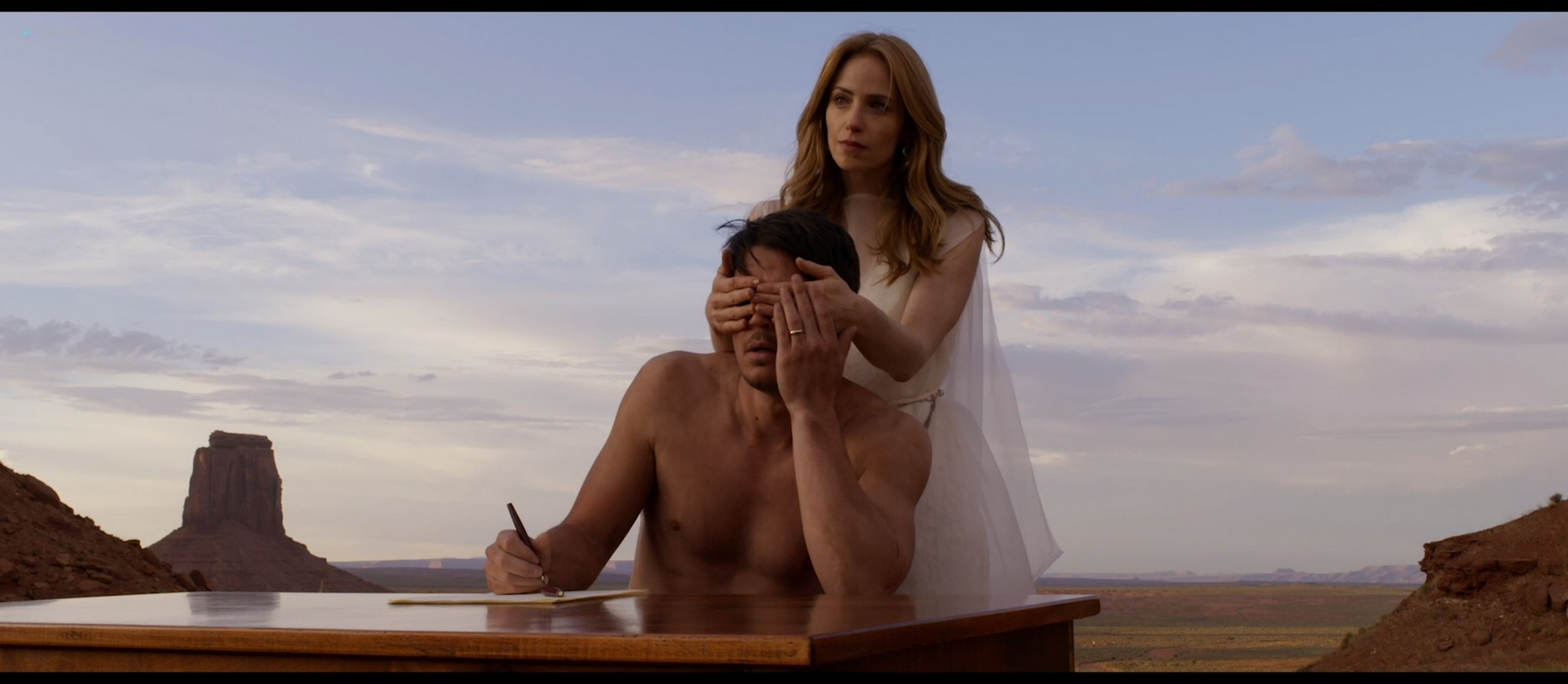 Bérénice Marlohe nude Jaime Ray Newman sexy Owee Rae butt naked - Valley of the Gods (2019) HD 1080p BluRay (3)