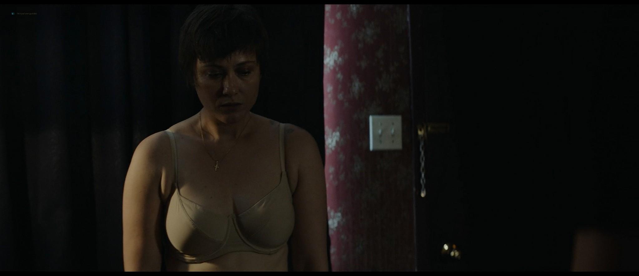 Mãlina Manovici nude bush and topless - Lemonade (RO-2018) HD 1080p Web (8)
